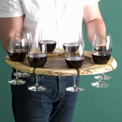 we know that wooden wine tray is widely used in hotel or restuanrant.